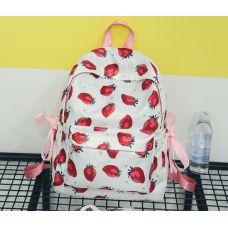 Рюкзак белый с клубникой