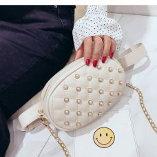 Белая поясная сумка с жемчугом